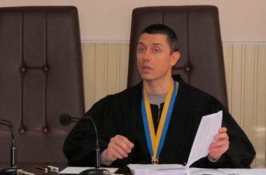 """судья Алексей Непша (фото """"Корабелов.Инфо"""")"""