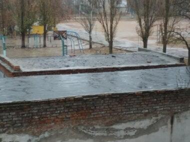 трансформаторная будка у школы № 33
