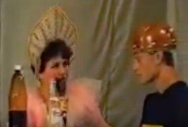 кадр из театральной постановки о приватизации НГЗ