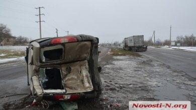 Под Николаевом тягач протаранил «Фиат» – пострадал пассажир   Корабелов.ИНФО image 5