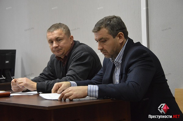 Экс-директор Николаевского аэропорта признал, что давал губернатору Савченко взятку – подсудимому грозит год условно