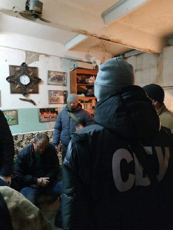 В Николаеве СБУ задержала мужчину, продававшего пластид