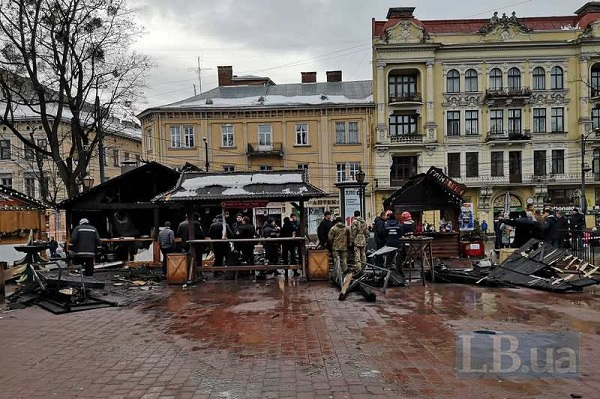 На рождественской ярмарке в центре Львова взорвался газ, есть пострадавшие
