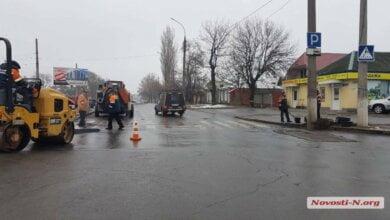 В Николаеве опять «асфальтируют лужи»: мэр посоветовал обращаться в полицию   Корабелов.ИНФО