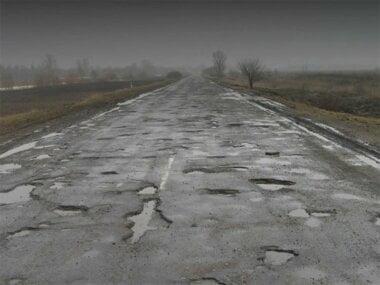 «Провезти по дорогам голой #о*ой»: Зеленский снял видео на трассе по дороге в Николаев