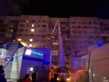 В России в результате взрыва обрушился подъезд: 3 погибших, судьба 79 жильцов не известна