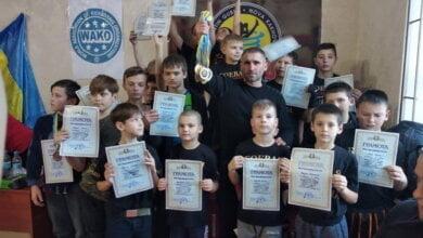 Открытый Новогодний турнир по кикбоксингу принес кикбоксерам из Корабельного района 20 медалей   Корабелов.ИНФО