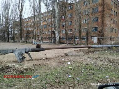 незаизолированная теплотрасса по ул. Океановской