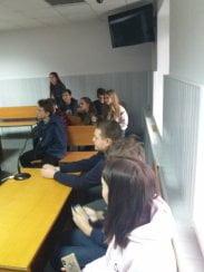 19 школярів разом зі своїм вчителем завітали до Корабельного районного суду
