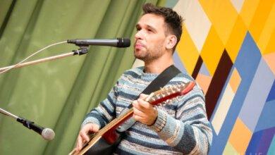 Клуб «Белая ворона» подарил николаевцам авторские песни в честь своего Дня Рождения | Корабелов.ИНФО