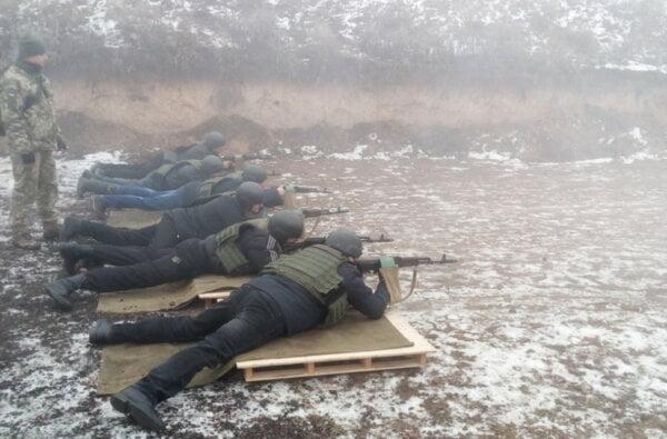 Стріляли та кидали гранати чиновники з адміністрації Корабельного району, але без голови (Фото) | Корабелов.ИНФО image 2
