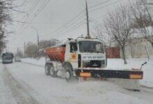 Photo of На Николаевщине с первого дня зимы начали работать снегоочистительные машины