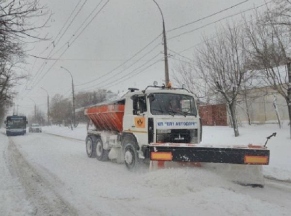 Photo of На Николаевщине начали работать снегоочистительные машины