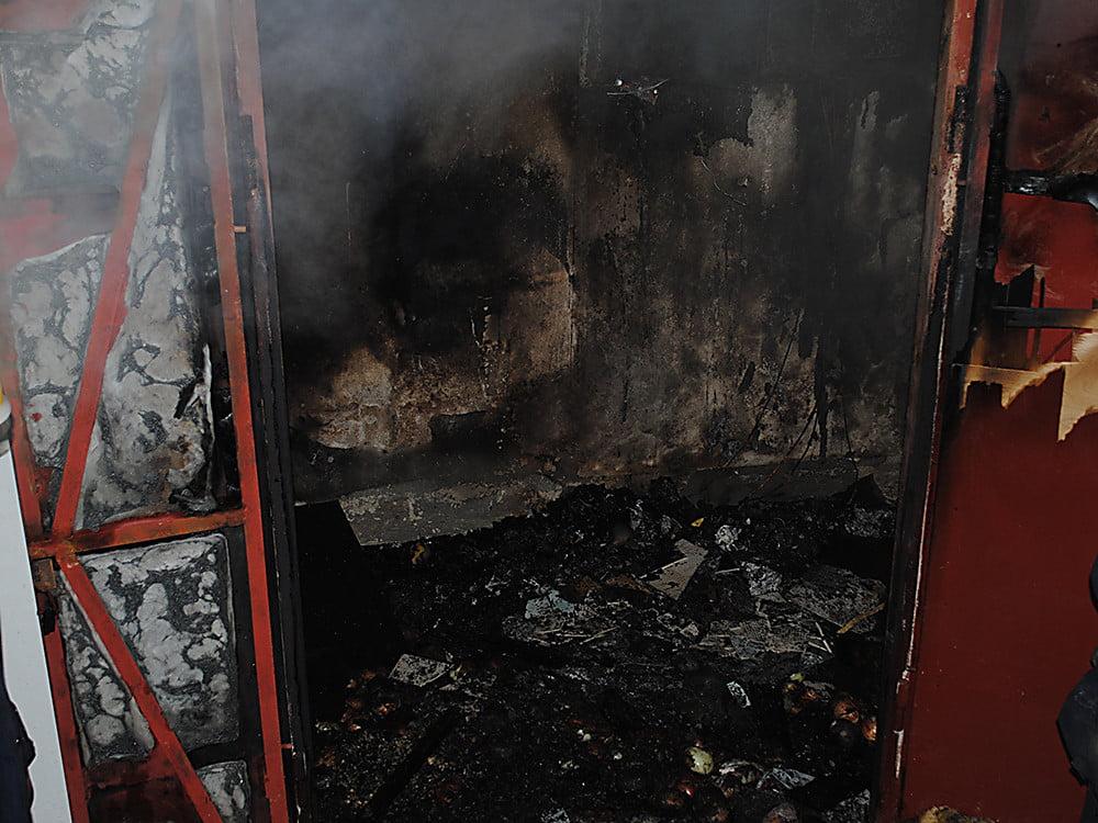 """Ночью в Николаеве произошел пожар в """"многоэтажке"""""""