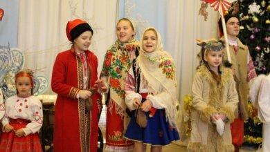 Photo of «Щедрували, засівали, водили козу»: в палаці культури «Корабельний» зустріли Старий Новий рік