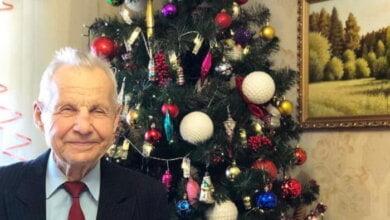 Photo of Легендарный озеленитель из Корабельного района Вадим Сердцев отметил свое 90-летие