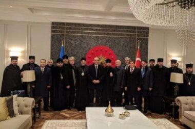 Украинская делегация прибыла в Стамбул для получения Томоса – Порошенко