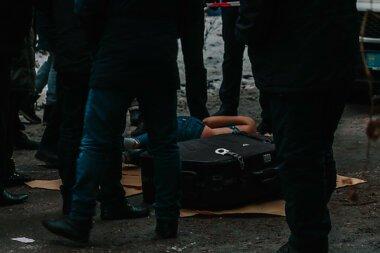 В Днепре в мусорном баке нашли чемодан с мертвой девушкой внутри (18+)