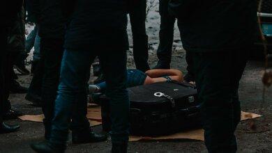 В Днепре в мусорном баке нашли чемодан с мертвой девушкой внутри (18+) | Корабелов.ИНФО