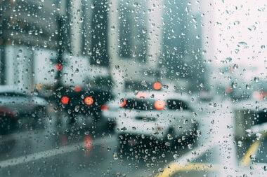 Синоптики обещают на Николаевщине дождь и мокрый снег, а мэрия - гололед