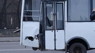 Photo of «Фура» врезалась в «маршрутку» на проспекте Богоявленском