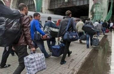 Мигранты уезжают из России из-за обнищания страны: приток украинцев за 4 года уменьшился на 500 тысяч, - эксперты