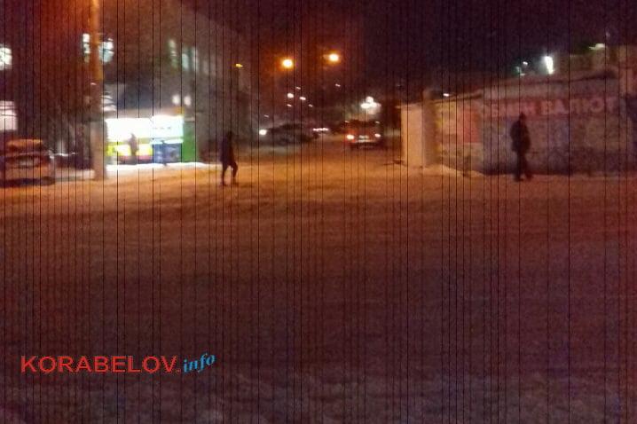 """пр. Богоявленский в снегу (возле рынка """"Феникс"""")"""