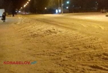 Дорога и тротуары в снегу (ул. Океановская) 08.01.19
