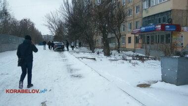 мужчина разбился, выпав из окна дома по пр. Корабелов,8