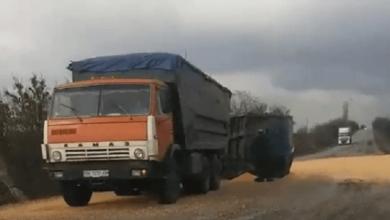 На трассе в Николаевской области перевернулся прицеп, груженный кукурузой | Корабелов.ИНФО image 1