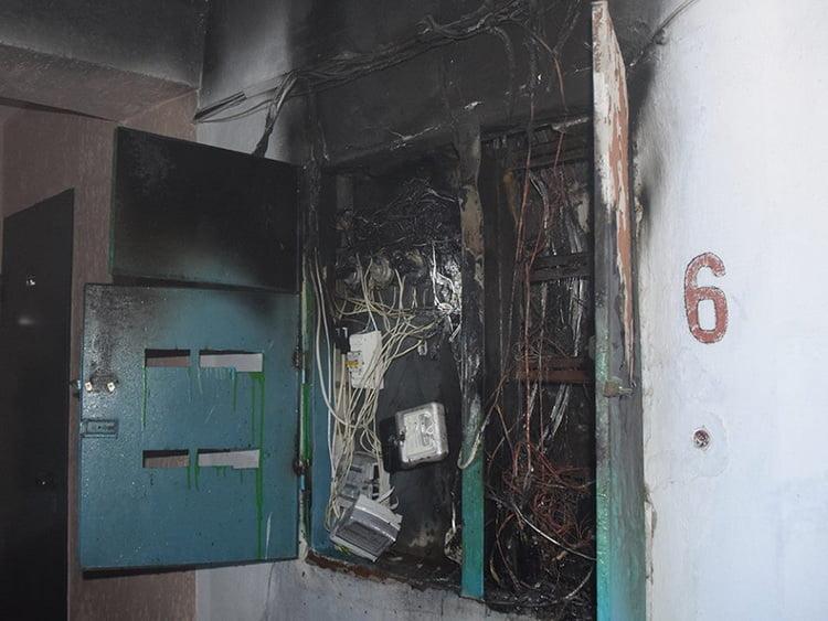 Photo of Почти во всех квартирах восстановлено электроснабжение после масштабного пожара в многоэтажке Корабельного района