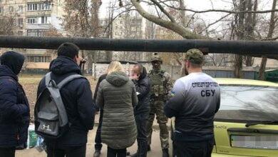 У Миколаєві 24-річна жінка найняла знайомих, щоб силою змусити колишнього чоловіка відмовитись від квартири | Корабелов.ИНФО image 4