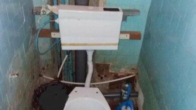 «Это параша, а не туалет. А у чиновников тоже так?» - горожане показали уборную в детской поликлинике Николаева   Корабелов.ИНФО image 2