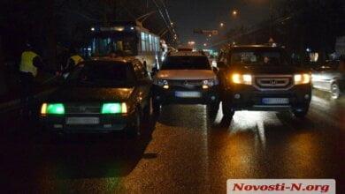На пр. Богоявленском столкнулись три автомобиля - движение по проспекту оказалось заблокировано | Корабелов.ИНФО
