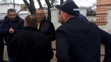 На пр. Богоявленском группа мужчин на BMW, устроившие стрельбу, избили парня (ВИДЕО) | Корабелов.ИНФО image 3