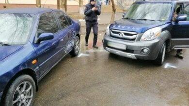 Столкнувшиеся Nissan и Great Wall заблокировали движение по улице Океановской | Корабелов.ИНФО