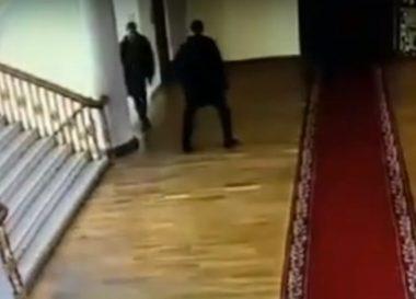общение Ентина с Ермолаевым в здании горсовета