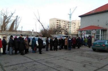 У «Николаевской электроснабжающей компании» - огромные очереди: горожане падают в обморок, вызывают «скорые»   Корабелов.ИНФО image 12