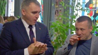 За год подчиненные мэра Сенкевича получили более 7 миллионов гривен премиальных | Корабелов.ИНФО