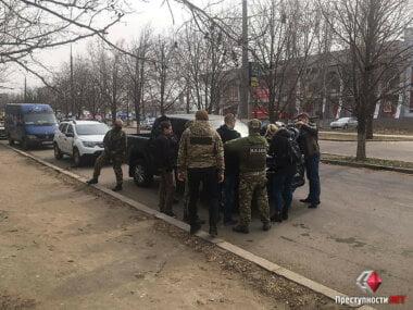 """На """"пятаке"""" в Корабельном районе спецназ пограничников провел спецоперацию с задержанием"""