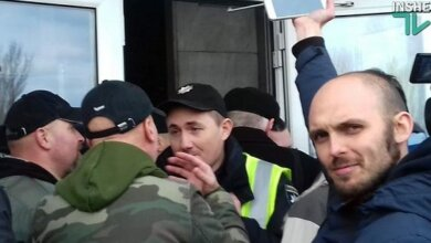 Полиция не пустила активистов-патриотов на встречу с Вилкулом в Корабельном районе (видео) | Корабелов.ИНФО image 3
