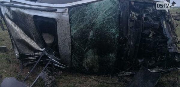 В Витовском районе BMW вылетел в кювет: автомобиль перевернулся, водитель погиб