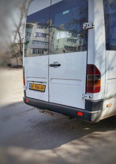 Николаевский маршрутчик поздравлял своих пассажирок с 8 марта