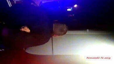 Ночью патрульные гонялись за пьяным таксистом в Корабельном районе (видео) | Корабелов.ИНФО