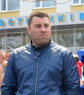 «₴25 миллионов коту под хвост?»: в Николаеве на Центральном стадионе засох газон на футбольном поле