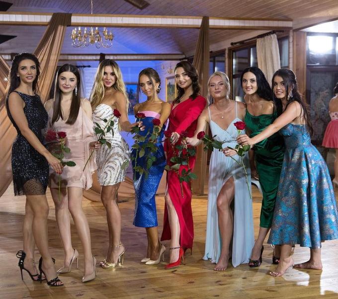 Массаж в Египте и роза «за красивые глаза»: обе красотки из Николаева остались в шоу «Холостяк»