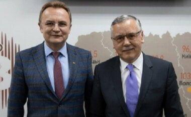 «В единстве мы сила», - Садовый снялся с выборов в президенты в пользу Гриценко