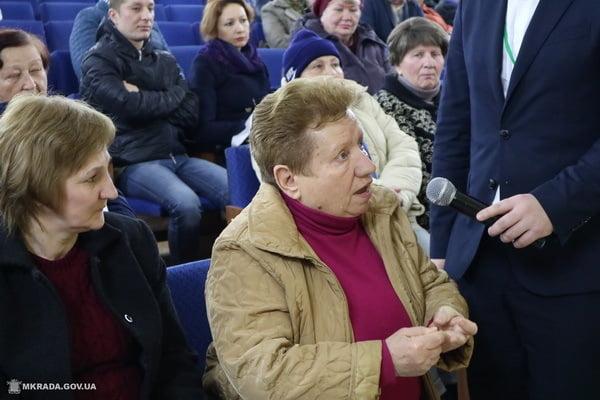 жители Кульбакино на встрече с Сенкевичем