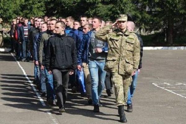Photo of На время карантина в Украине отменили призыв на срочную службу