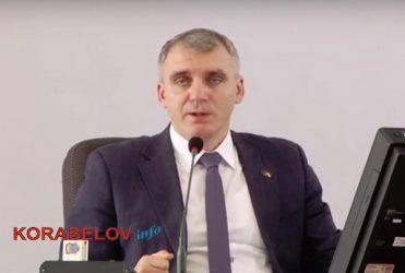 А. Сенкевич на сессии горсовета
